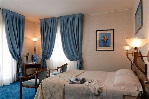 HOTEL AMADEUS, VENEDIG ****